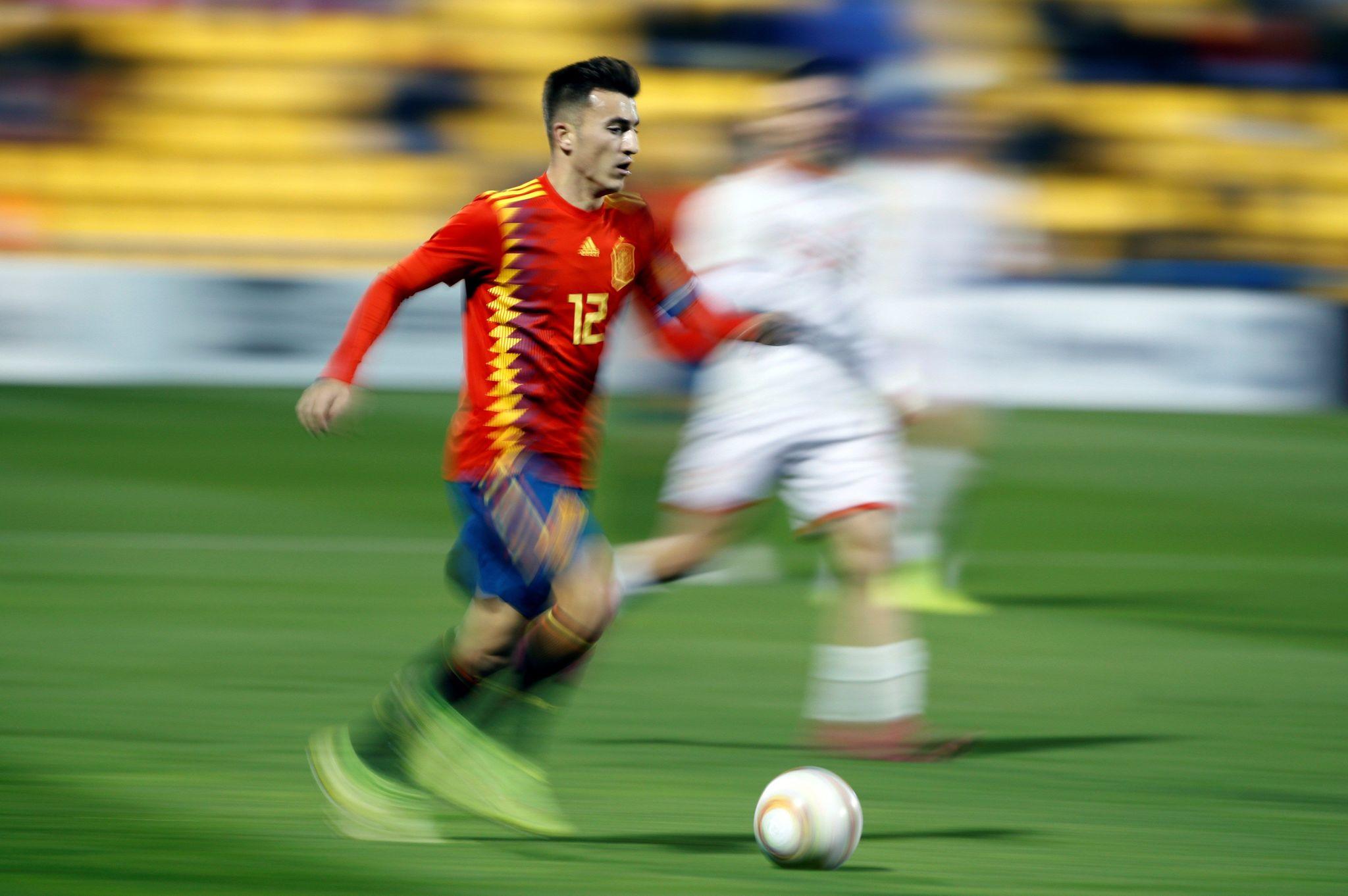 GRAF9151. ALCORCÓN (MADRID), 14/11/2019.- El defensa de la selección española de fútbol sub-21, <HIT>Aitor</HIT><HIT>Buñuel</HIT>, este jueves, durante el partido de clasificación para la Eurocopa 2021, disputado contra la selección de Macedonia del Norte sub-21, en el estadio de Santo Domingo, en Alcorcón, Madrid. EFE/ Rodrigo Jiménez