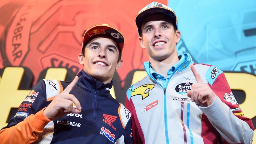 Marc y Álex Márquez en la celebración del título de ambos.