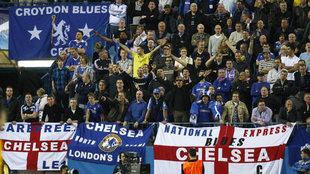 Aficionados del Chelsea en el Calderón