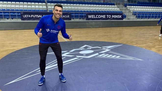 Sergio Lozano posa en la pista del Palace of Sports Uruchye de Minsk.