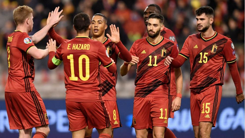 Los jugadores de Bélgica celebran uno de los goles a Chipre