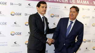 Iker Casillas with Angel Martin, founder of Clínicas Menorca