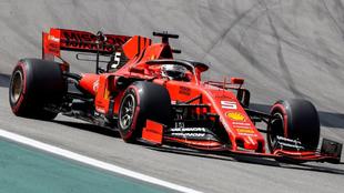 El Ferrari de Sebastian Vettel en Interlagos.