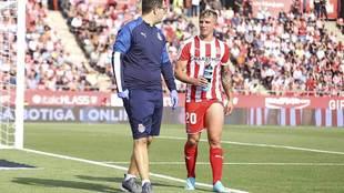 Maffeo sale lesionado de Montilivi en el partido ante Las Palmas de...