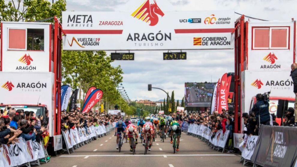 Llegada de la Vuelta a Aragón 2019 a Zaragoza.