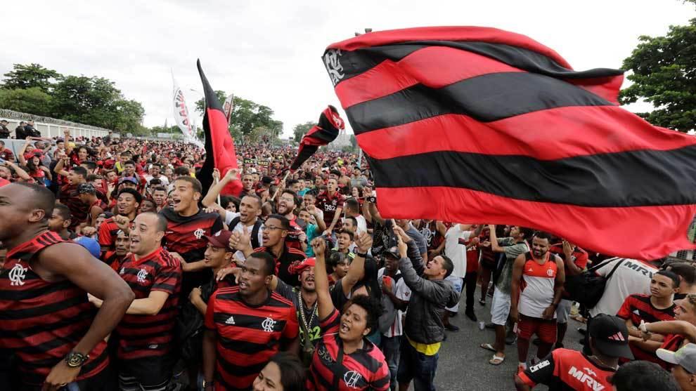 Aficionados del Flamengo en Lima