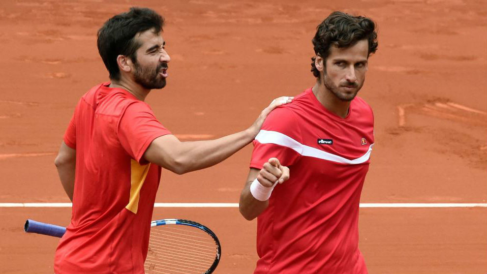 Marc y Feli López, en una serie de Copa Davis