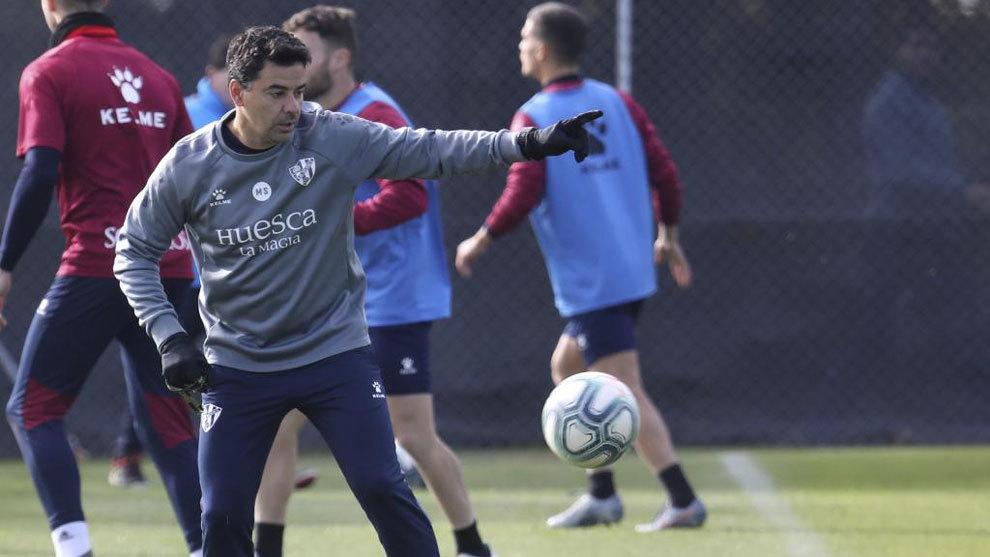 Michel, durante un entrenamiento del Huesca.
