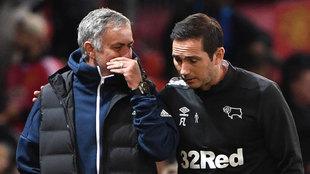 Mourinho y Lampard, antes del United-Derby County.