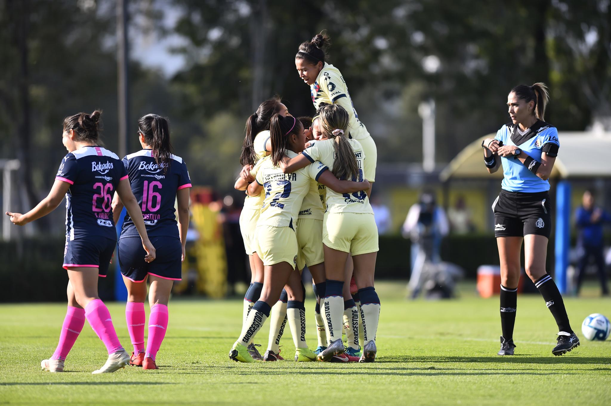 América Femenil y Rayadas empatan en el duelo de ida