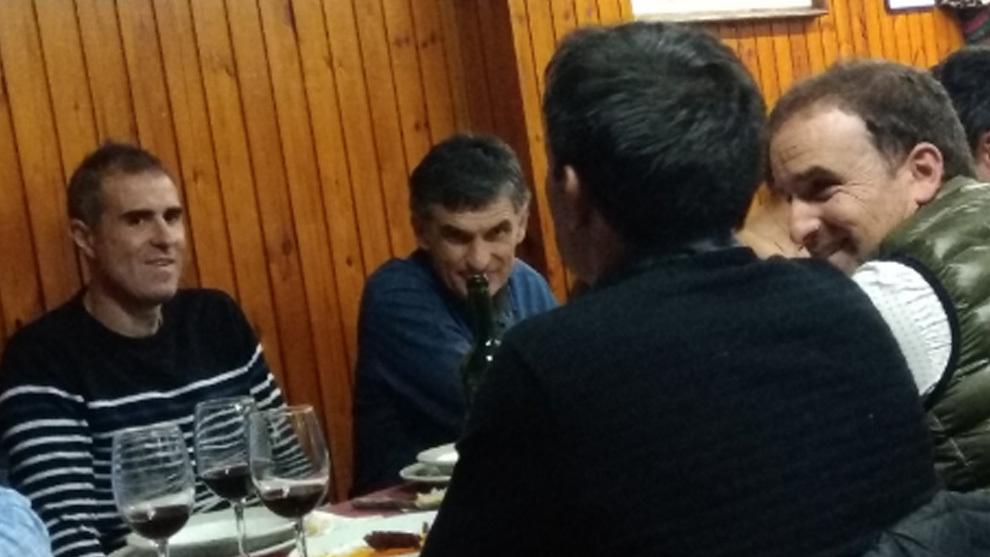 Gaizka Garitano, Mendilibar, Asier Garitano y Arrasate cenando en la...
