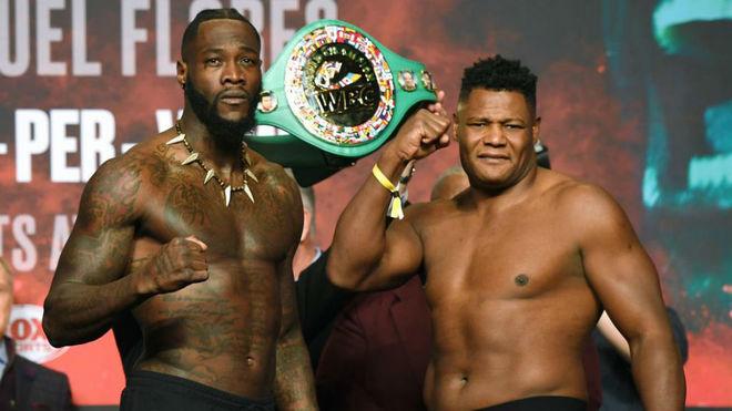 Deontay Wilder y Luis Ortiz durante la ceremonia del pesaje.