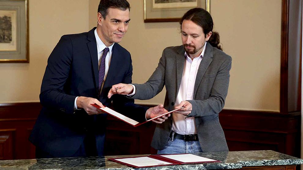 Pedro Sánchez y Pablo Iglesias continúan las negociaciones por un...