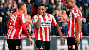 Bergwijn festejando su gol segundo gol ante el Heerenveen.