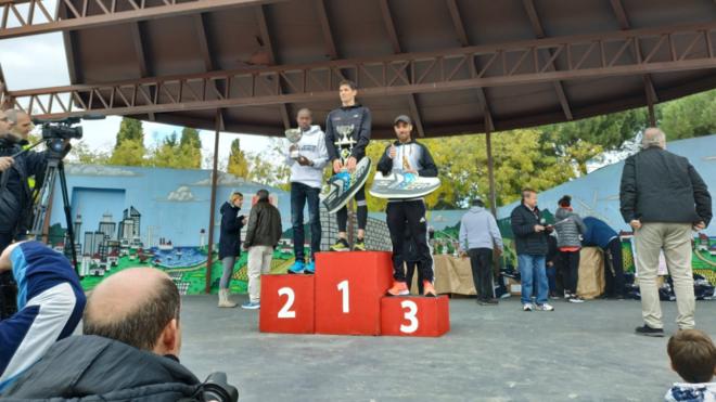 Alejandro Fernández en el podio de la Popular de Canillejas