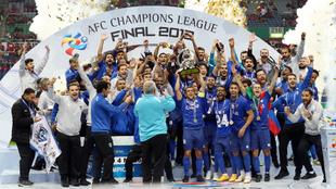 La plantilla de Al Hilal celebra el título continental