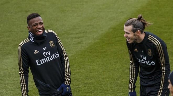 Vinicius y Bale durante el entrenamiento del lunes.