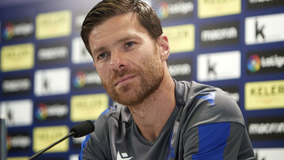 ExLiverpool Midfielder Xabi Alonso Set To Become Borussia Monchengladbach Manager