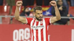 Stuani celebra uno de sus dos goles al Fuenlabrada.
