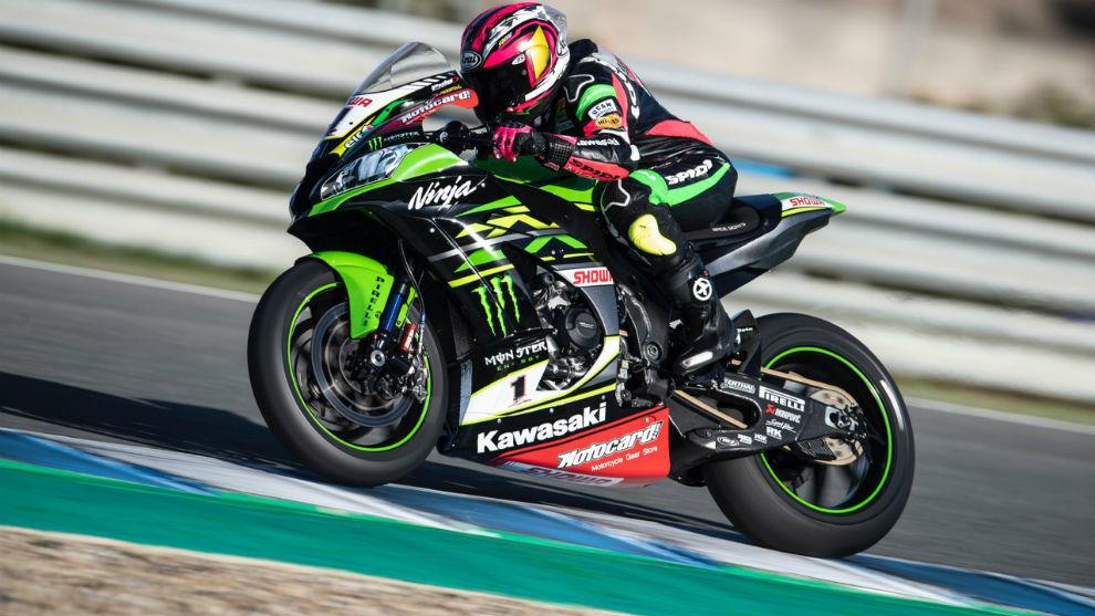 Ana Carrasco prueba la moto de Jonathan Rea en Jerez | Marca.com