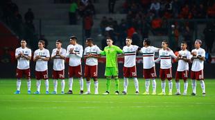 La selección mexicana previo al juego ante Bermudas en el Nemesio...