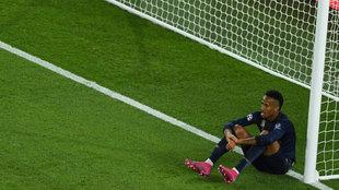 Militao, durante el partido ante el PSG.