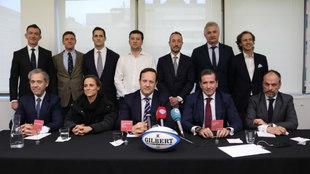 La candidatura 'Valor de Rugby' posa tras su presentación...