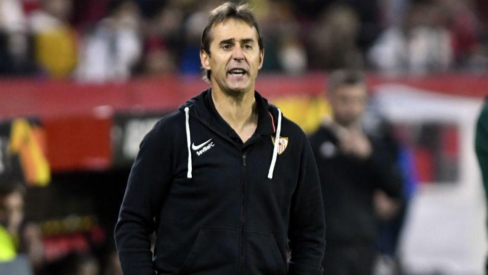 El técnico sevillista Julen Lopetegui (53), en el partido ante el...