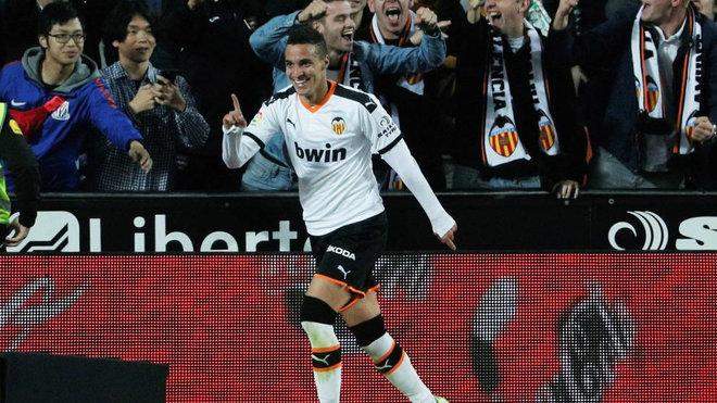 Rodrigo celebra su gol en Mestalla.