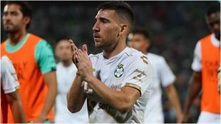 Santos necesita tres goles