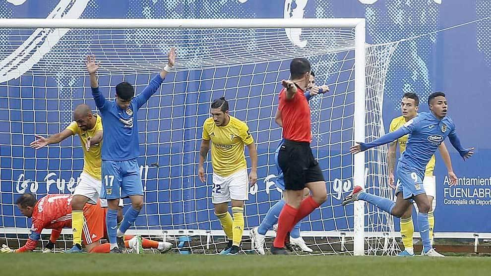 Jeisson celebra el tanto del triunfo al Cádiz en el Fernando Torres