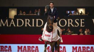 José Fumero, junto a 'Donita' celebrando el Trofeo MARCA.