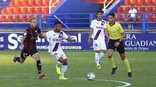 Gus Ledes y Carlos Gutiérrez, en el partido frente al Extremadura de...