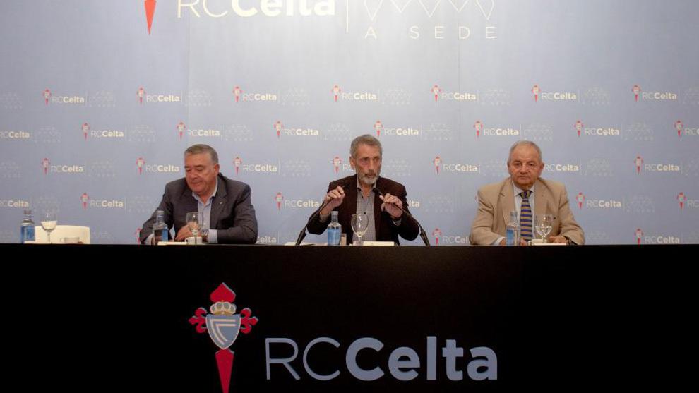 El Presidente del Celta ,Carlos Mouriño, en rueda de prensa
