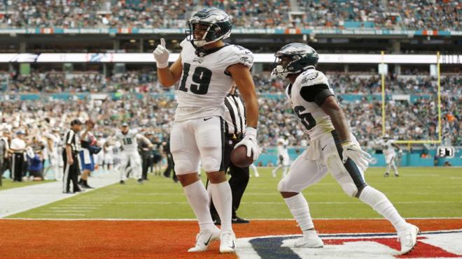 J.J. Arcega-Whiteside celebra su primer 'touchdown' en la NFL /