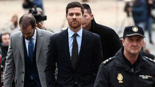 Xabi Alonso, al salir del juzgado donde fue absuelto de presuntos...