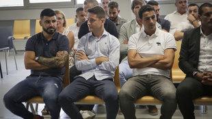 En el banquillo de los acusados, Ander Herrera, por el partido...