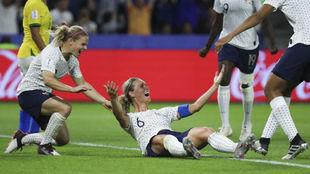 Amandine Henry celebra un gol en el pasado Mundial.