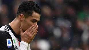 Cristiano Ronaldo se lamenta de una ocasión con la Juventus.