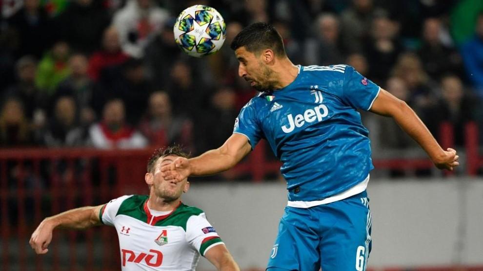 Khedira remata de cabeza en el partido de Champions frente al...