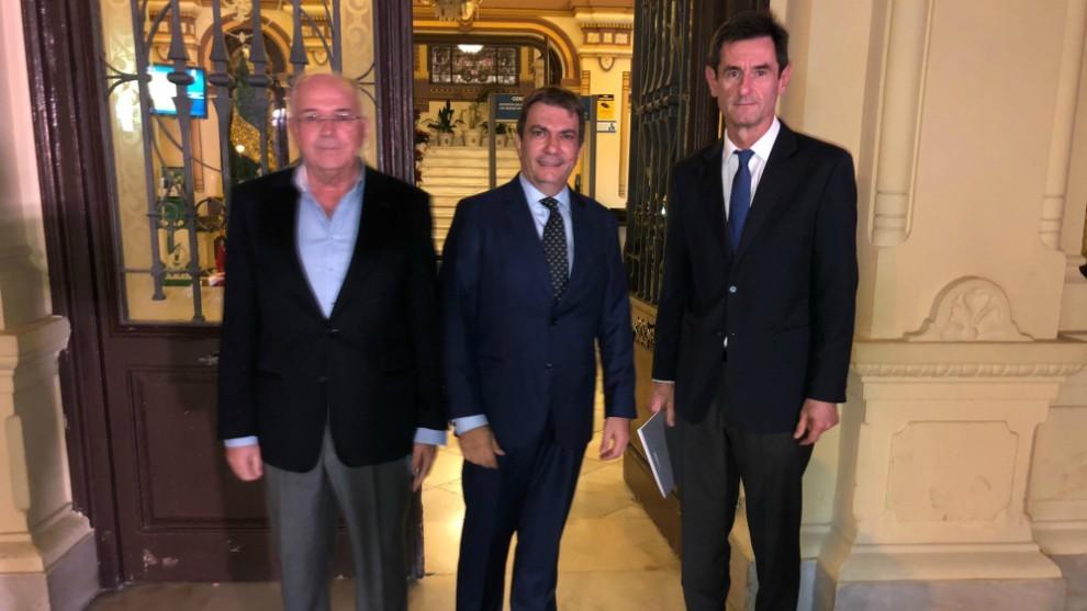 Jamal Satli y Gonzalo Hervás, en el Ayuntamiento de Málaga