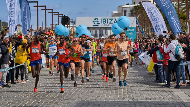 Los participantes del Ibiza Marathon.