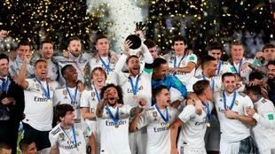 Los jugadores del Real Madrid celebran el Mundial de Clubes ganado en...