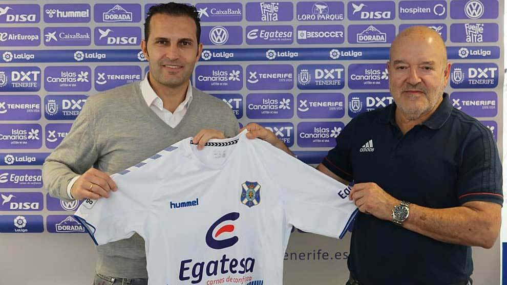 Rubén Baraja, nuevo entrenador, y Miguel Concepción, presidente del...