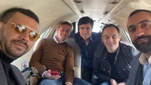 Guti con los directivos del Almería en un jet privado