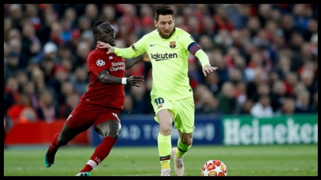 Messi and Mane during Liverpool's 4-0 win over Barcelona