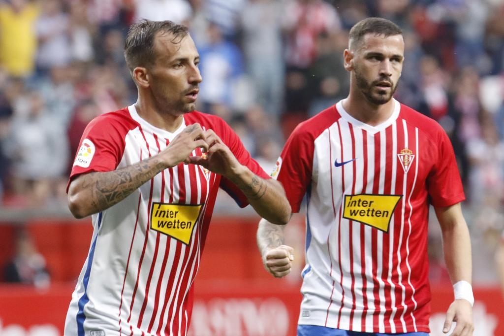Aitor celebra su gol al Zaragoza, uno de los cinco que ha marcado en...