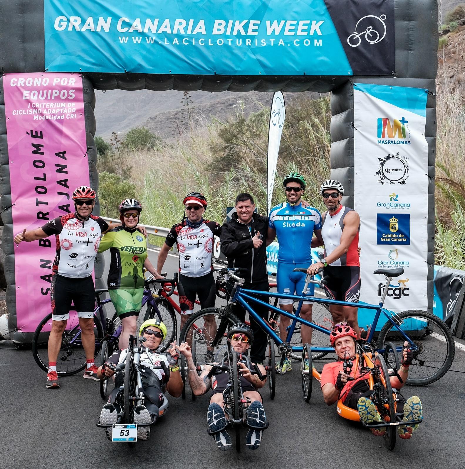 Algunos de los participantes en la etapa del jueves.