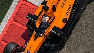 Sainz, en el último día de pruebas de 2019 con su McLaren MCL34