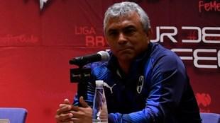 Héctor Becerra habla en el Día de Medios